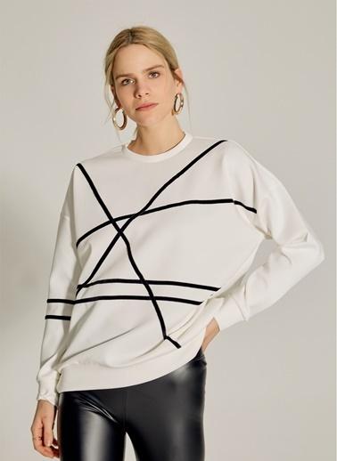 NGSTYLE Şerit Detaylı Sweatshirt Beyaz
